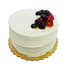 berry chantilly cake whole foods berry chantilly cake 6 inch newton whole foods market 1646